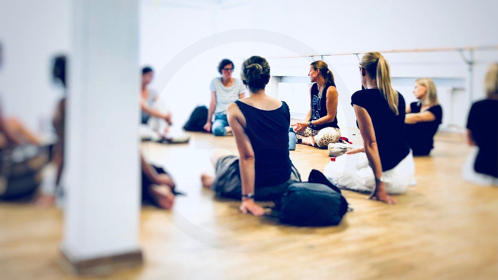 Yoga Teacher Training Infotreffen 200+ Online