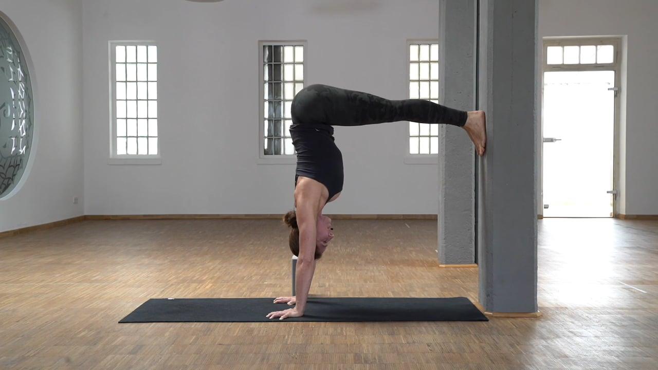 Schulterkraft 10 – L-Handstand